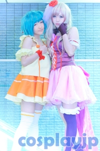Ranka Lee and Sheryl Nome from Macross Frontier Cosplay Photo in Japan