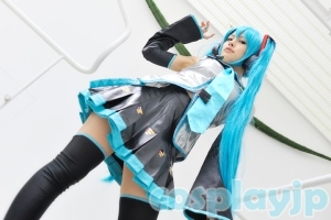 Miku Hatsune from Vocaloid Cosplay Photo in Japan